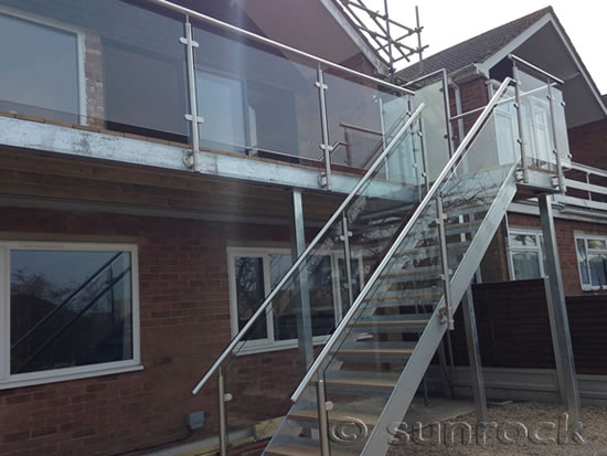 Sunrock balconies london and the south balcony for Stainless steel balcony