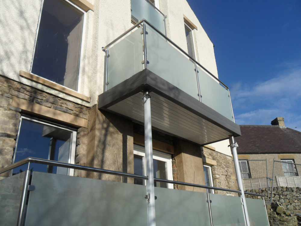 Glass stainless steel balcony sunrock balconies for Balconies or balconies