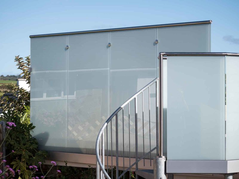 balcony privacy glass balustrades