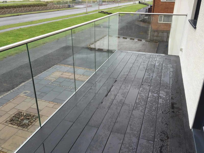 infinity glass balcony balustrades with handrail