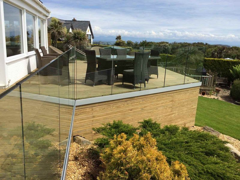 infinity glass balustrade