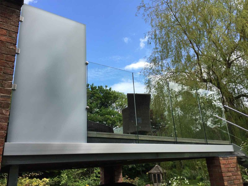 privacy glass panel infinity glass balcony