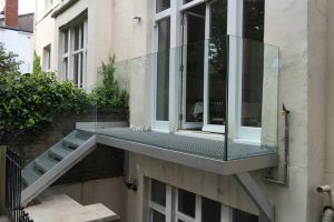 small infinity glass balcony london