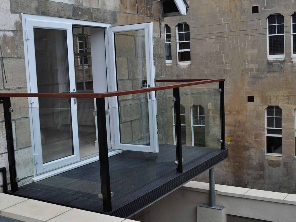 Sunrock chelsea balcony with glass in bath sunrock balconies for Balcony with glass