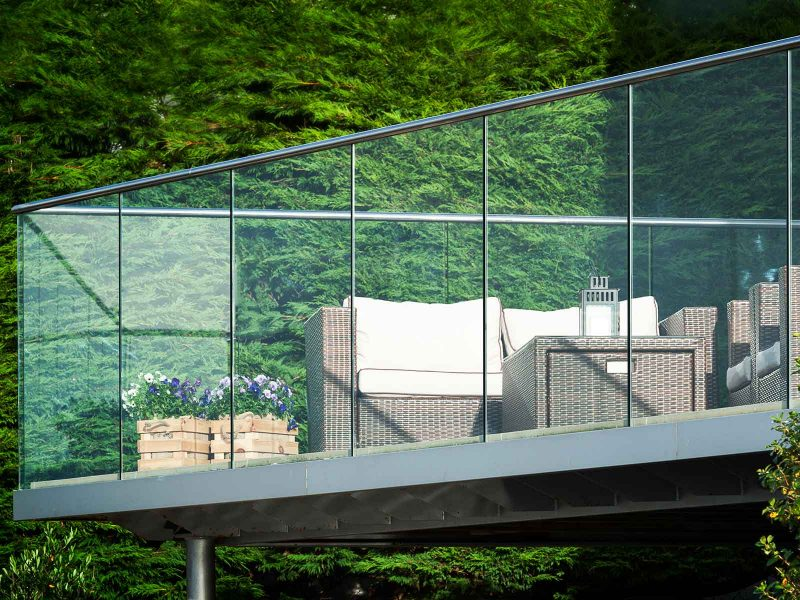corner balcony infinity glass