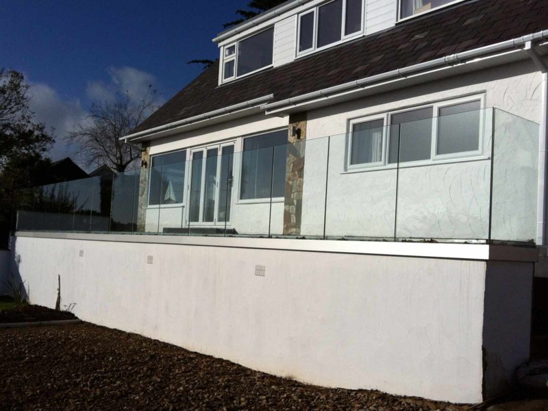 seamless glass balustrades north wales