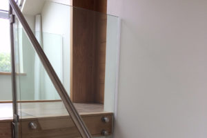 infinity glass balustrade stair landing