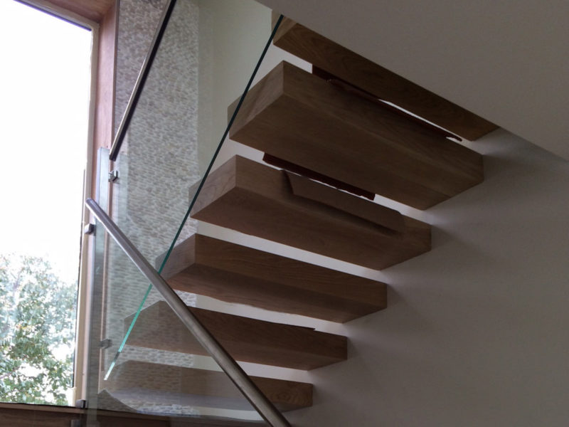 stair case glass balustrades