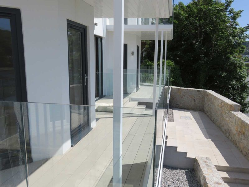 ground floor infinity glass balconies